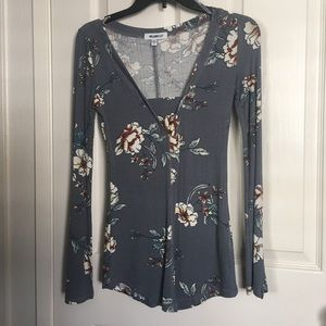 William Rast top long sleeve floral size small